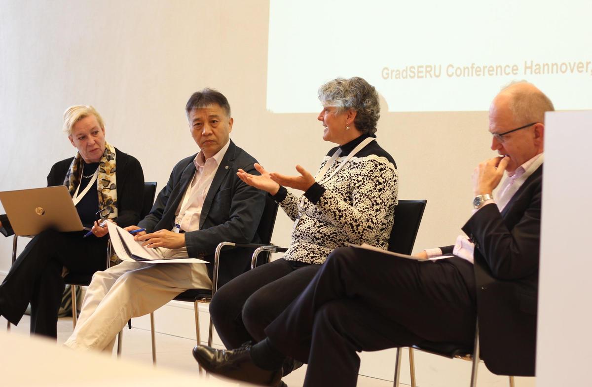 gradSERU Symposium Hannover Panel