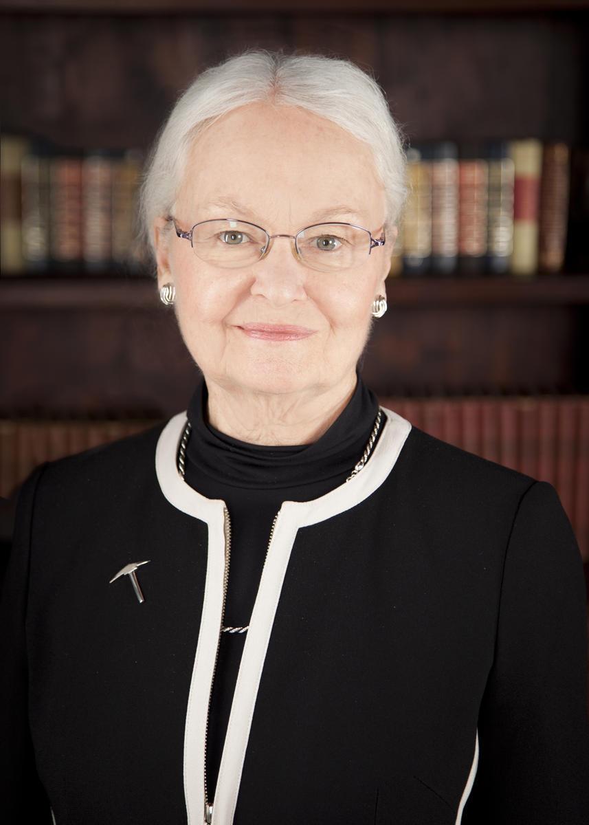 Dr Diana Natalicio